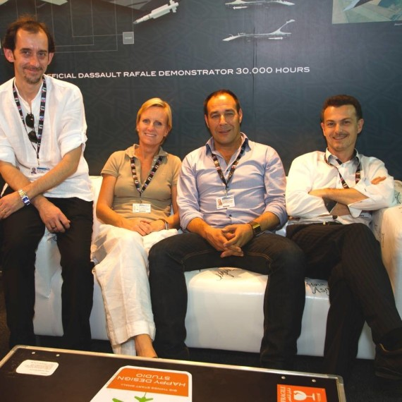 DUBAI AIR SHOW 2011 / Happy Design Studio Team