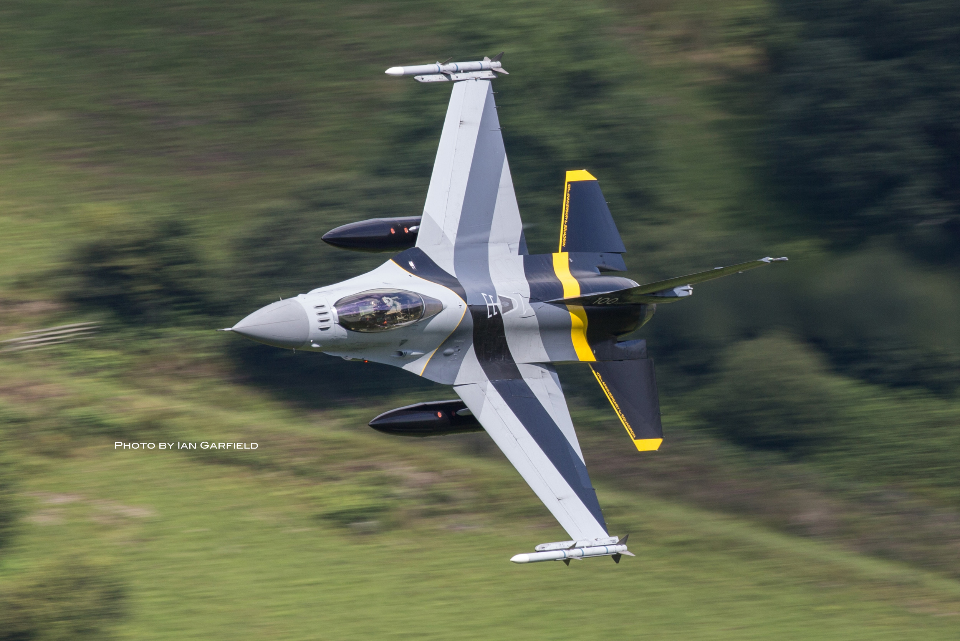F16_IAN_GARFIELD_web